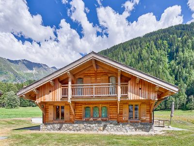 Photo for Spacious & Secluded * Modern Demi Chalet * Great for families & groups