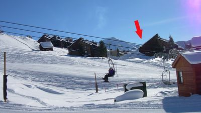 very ski in and out - walk your kids to ski school