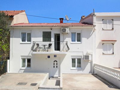 Photo for Holiday apartment with air conditioning, Internet access and barbecue
