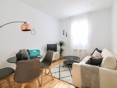 Photo for Lovely 2 bed flat near Park El Retiro