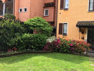 Photo for 90sqm of comfort just a few steps from the lake in the historic center of Suna