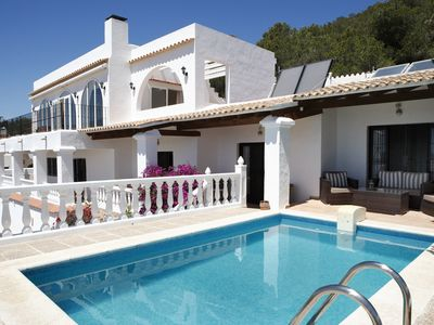 Photo for Villa with sea view, private pool, family friendly, near Playa den Bossa, WLAn