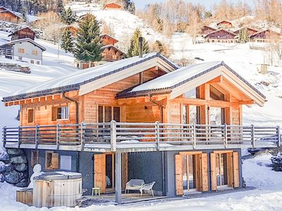 Photo for Chalet Kookaburra - Delightful 4-bedroom chalet with hot tub / stunning views