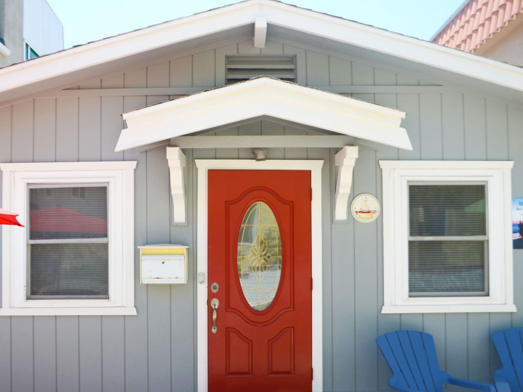 Adorable Red Door Beach Cottage In North Mission Beach & Adorable Red Door Beach Cottage In North... - HomeAway Mission Beach pezcame.com