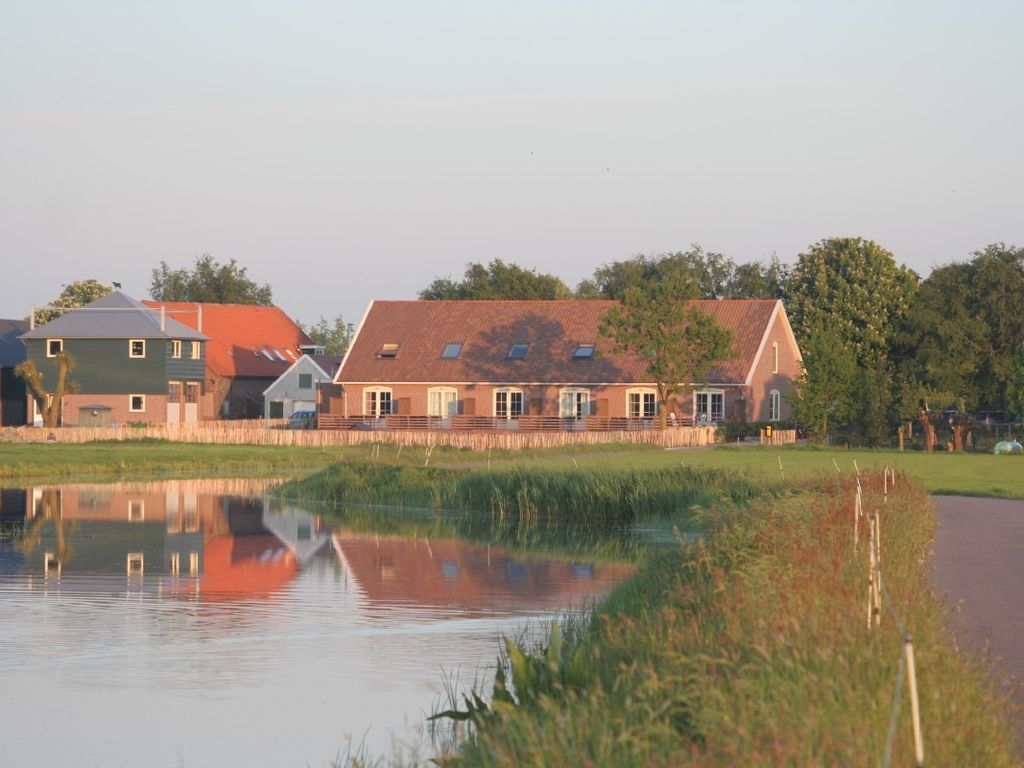 Beautiful apartments along the river, overlooking the pasture, children friendly