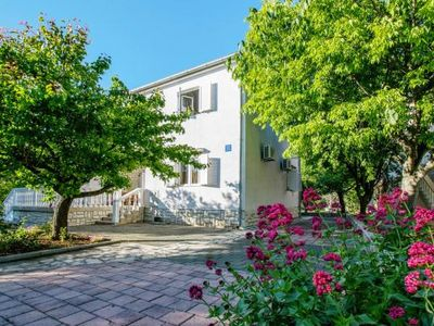 Photo for Apartments im Haus Lika, Seline  in Norddalmatien - 6 persons, 2 bedrooms