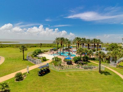 Photo for Dog-friendly bayfront condo w/ balcony, close to pools and hot tubs!