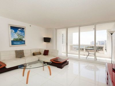 Photo for 2+den Condo bay & city views, Miami:1655