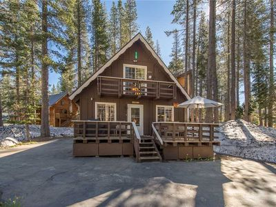 Photo for 'Alpenglow Lake House'  Close to Lake! Delightfully cozy!