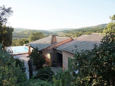 Photo for Design & Warm villa with swimming pool and stunning view in Provence