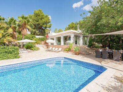 Photo for Quietly situated house with lovely garden and panoramic sea views