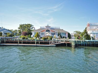 Photo for Charming 3bedroom w/60 ft dock w/immediate access to bay / ocean Upscale area