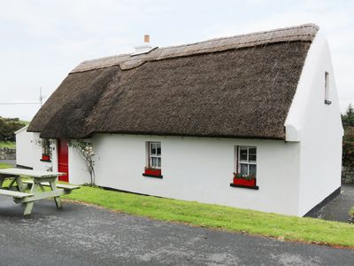 Photo for NO 9 RENVYLE THATCHED COTTAGES in Tully, County Galway, Ref 986948