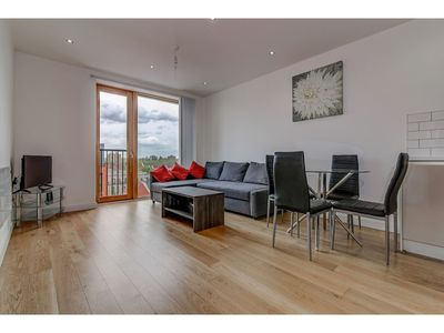 Photo for 409 Chapel Street · Stylish, Clean 1 Bedroom Flat for 4