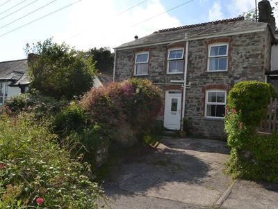 Photo for Lovely family cottage in Treknow close to Trebarwith Strand beach