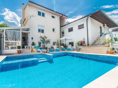 Photo for Apartment Complex Suzy with Common Pool in Novi Vinodolski / Modern furnished apartment Suzy More with Terrace and Sea View
