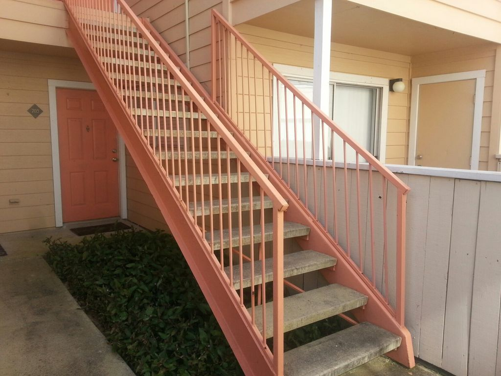 Split level br ba w garage pool fitness and
