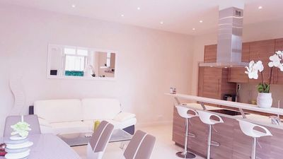 Photo for CENTER of CANNES, 3BDRM / 2BTH + Terrace. VERY close to LA Croisette, Beaches, Palace