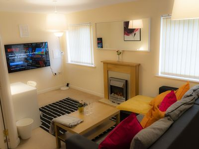 Photo for Beautifully newly done 2 Bed Flat Near Airport/NEC/Resort World