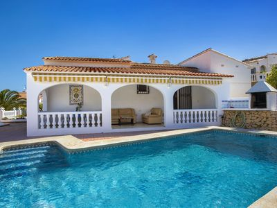 Photo for Luxurious 6 person villa with swimming pool in a beautiful area, amazing village, amazing location