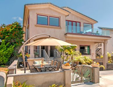 White Water Ocean Front Luxury Home, Short Walk to Carlsbad Beach & Village
