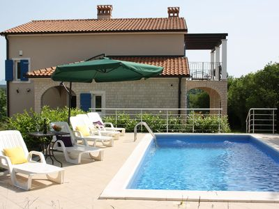 Photo for Adorable villa with  pool and covered terrace surrounded by nauture !