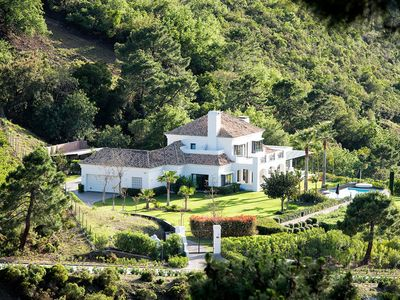 Photo for Beautiful villa in the exclusive Puerto Banús