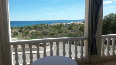 Photo for Apartment with two bedrooms and sea views near Cala Blanca