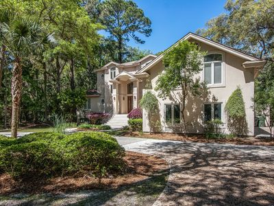Photo for Elegant & spacious Hilton Head home w/ a private pool, pool spa, outdoor dining