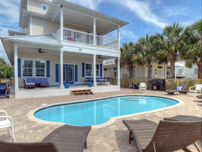 Photo for Beautiful Home, Great Amenities and Location!  Check Special Rates May 11-25!