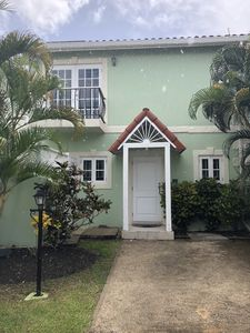 Photo for 'Palm View', West Coast 3 bd/3.5br villa minutes walk from beach