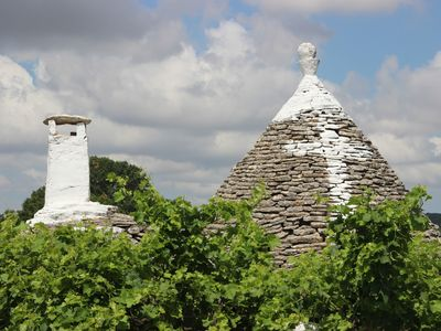 Photo for Holiday home among the trulli a few kilometers from Alberobello, and the sea 25 km.