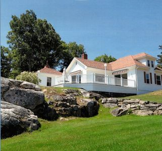 Photo for GATEHOUSE The Moorings Resort, ocean views, pool & close to Pemaquid beach!