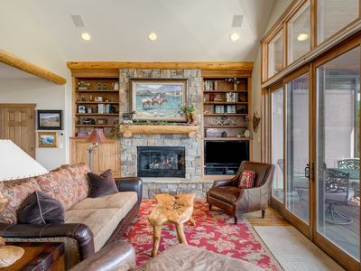 Photo for Enjoy stunning mountain views and plenty of space for the whole family enjoy!