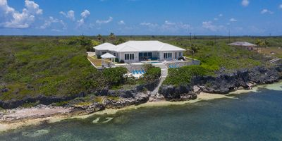Cayman Blue - Upscale, Private Waterfront Villa Offering 3,4,5,6 or7 Bedrooms
