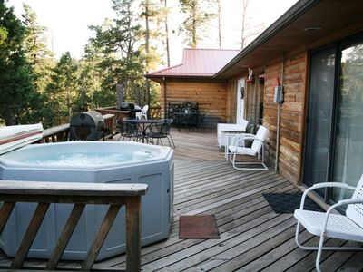 3BR Cabin w/Hot Tub in Ruidoso, NM - Evolve Vacation Rental Network