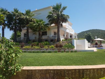 Photo for Stunning, private, countryside villa with pool, 20 minutes from Albufeira.
