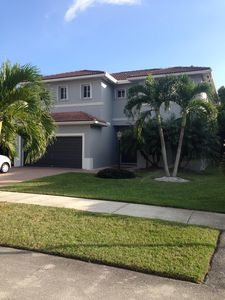 Photo for Heated pool in private garden, BBQ, family friendly location in South Miami