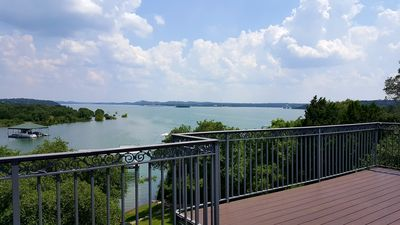 Lake Front Home with Beautiful View on Lake Travis