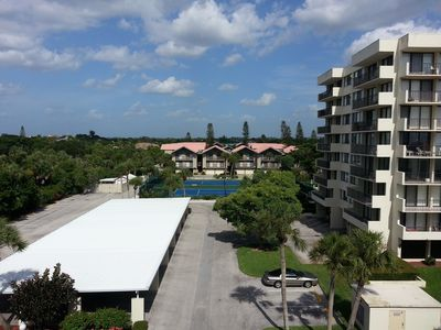 Photo for Newly Renovated 4th Floor Condo Directly Across For The Siesta Key Beach