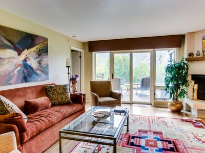 Photo for Cozy, warm condo with amazing mountain and golf course views and AC