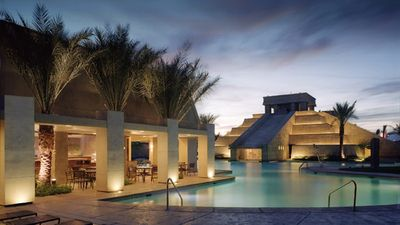 1 BDRM~ CANCUN RESORT~ GREAT POOLS/SHOPPING/DINING/SPA/2 BATHROOMS/FULL KITCHEN