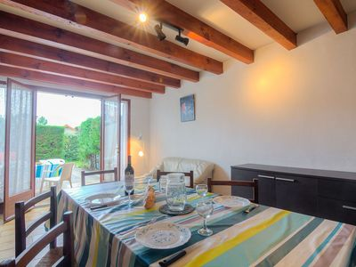 Photo for Lovely apartment for 5 guests with WIFI, TV and pets allowed