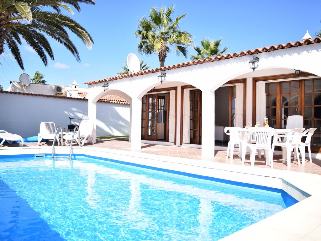 Chalet con piscina privada vista al mar y golf homeaway - Piscinas para chalets ...