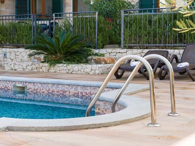 Photo for In the center of Slatine with Internet, Pool, Air conditioning, Parking (747113)