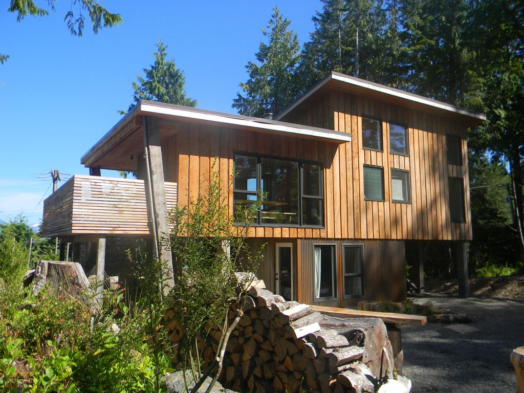 ^ Modern Harbour Front Vacation Property In... - VBO