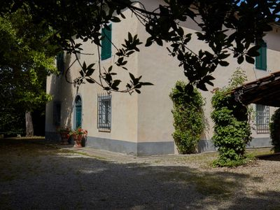 Photo for Villa with private garden and private swimming pool on a large estate in Tuscany