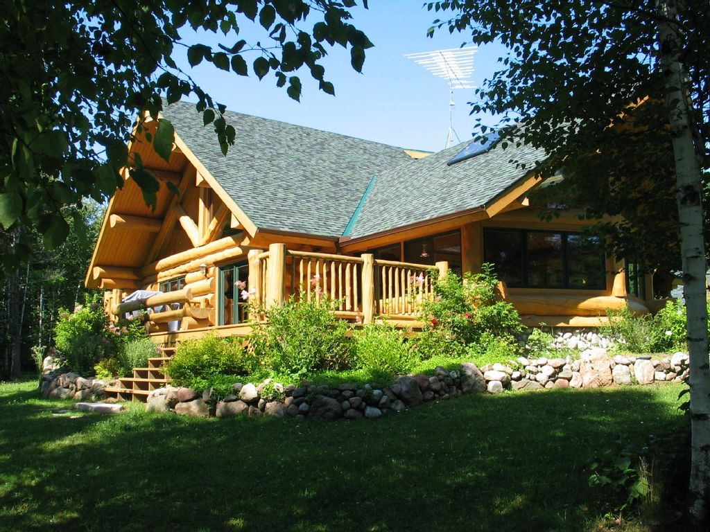Secluded luxury log home in wisconsin wilde vrbo for Cabin rentals wi