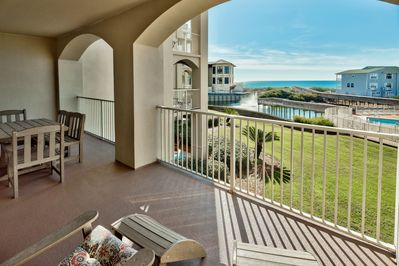 Balcony of San Remo 204 - Enjoy the view of the Gulf of Mexico from your spacious balcony with comfortable cushioned chairs and dining table/chairs.