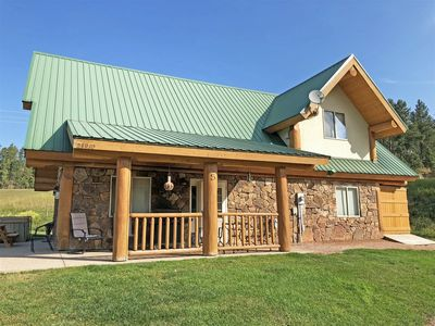 Photo for Cozy Beautiful Log Home Near Attractions with Mountain Views